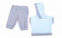 Костюм дет бриджами и футболкой